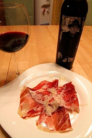 ハモンイベリコベジョータ・グラッサと赤ワイン
